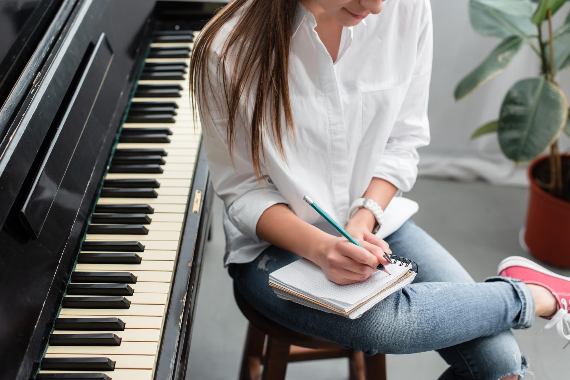 Taking notes singing teacher